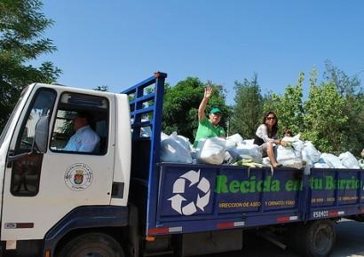 camion-de-basura-reciclaje-azul