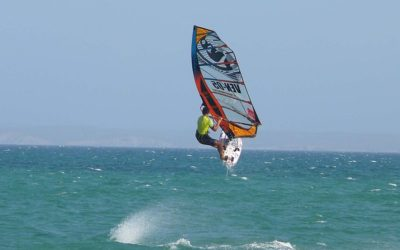Salto de Windsurfista Playa El Yaque