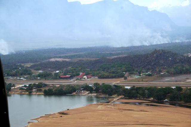 Vista Aérea de La Esmeralda, estado Amazonas. Venezuela.